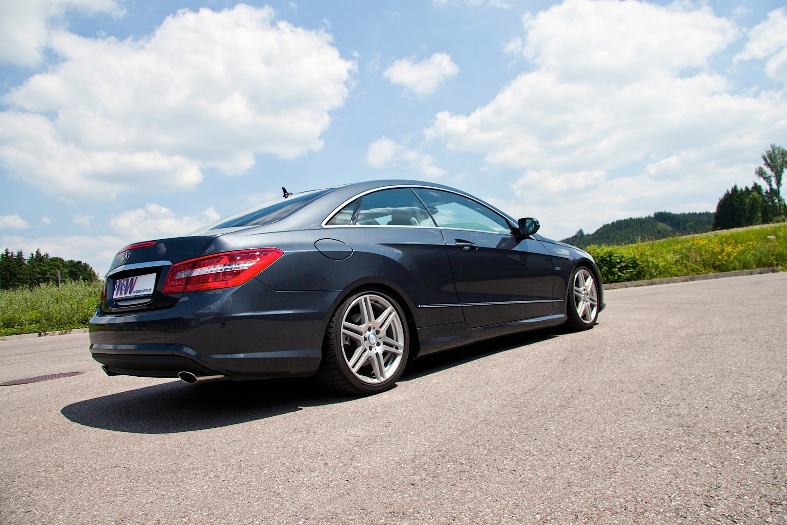 Kw Launches Adaptive Coilover Kit For C Class And E Class Coupe Autoevolution
