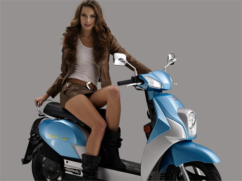 Kymco Queen 3 0ev Electric Scooter To Be Sold In Europe