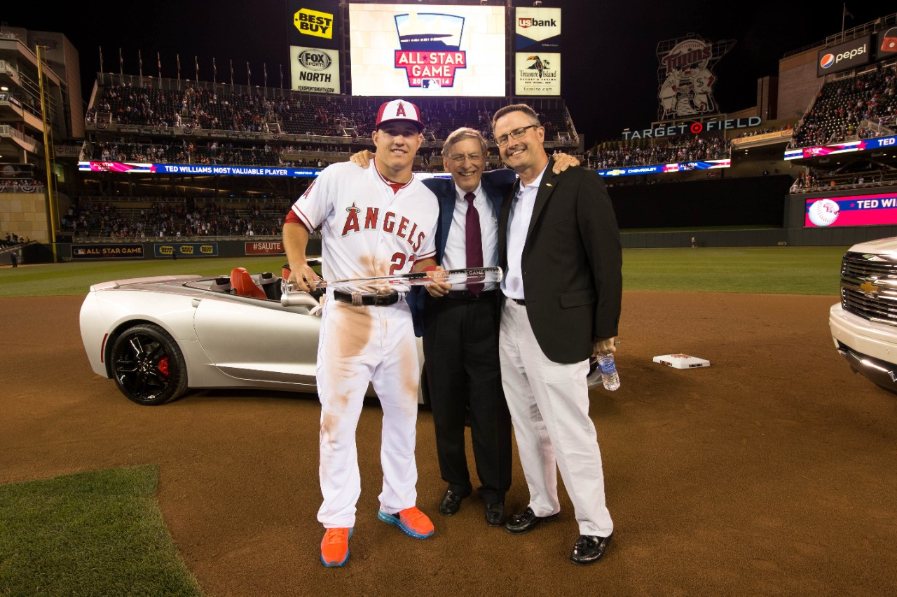 La Angels Of Anaheim S Mike Trout Gets 2014 Stingray As A
