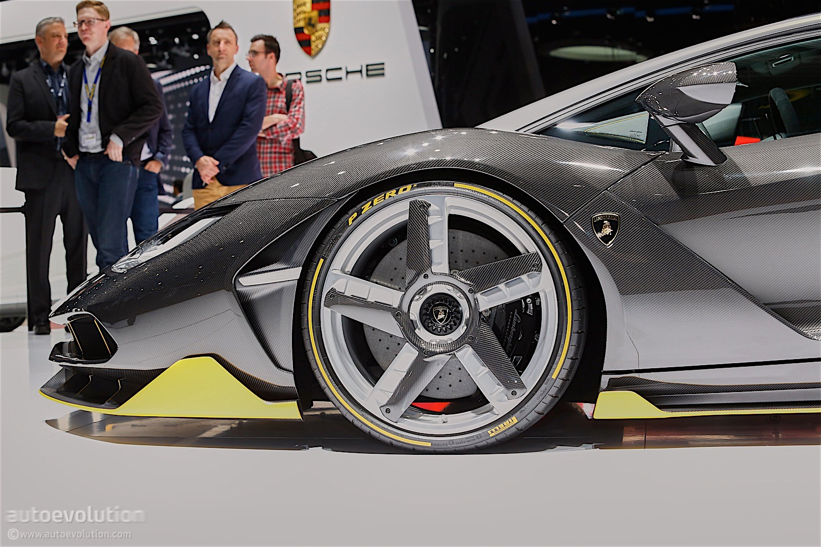 Lamborghini Celebrates Founder S 100th With A Cake On Wheels The