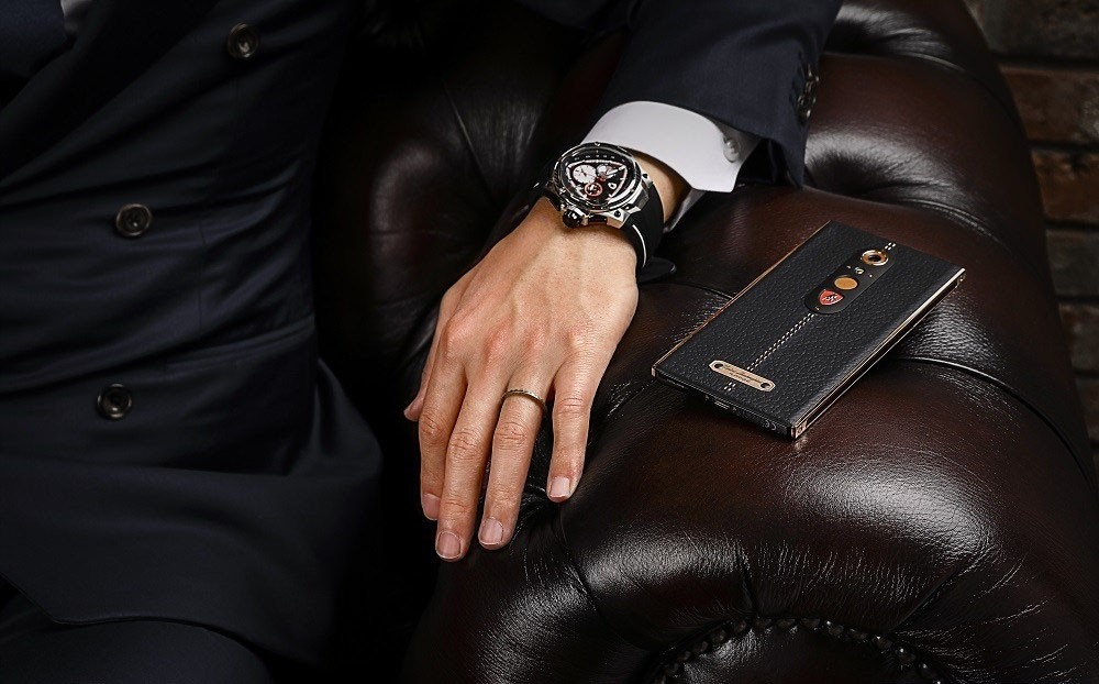 Lamborghini Alpha One Smartphone Has Leather Golden Stitching