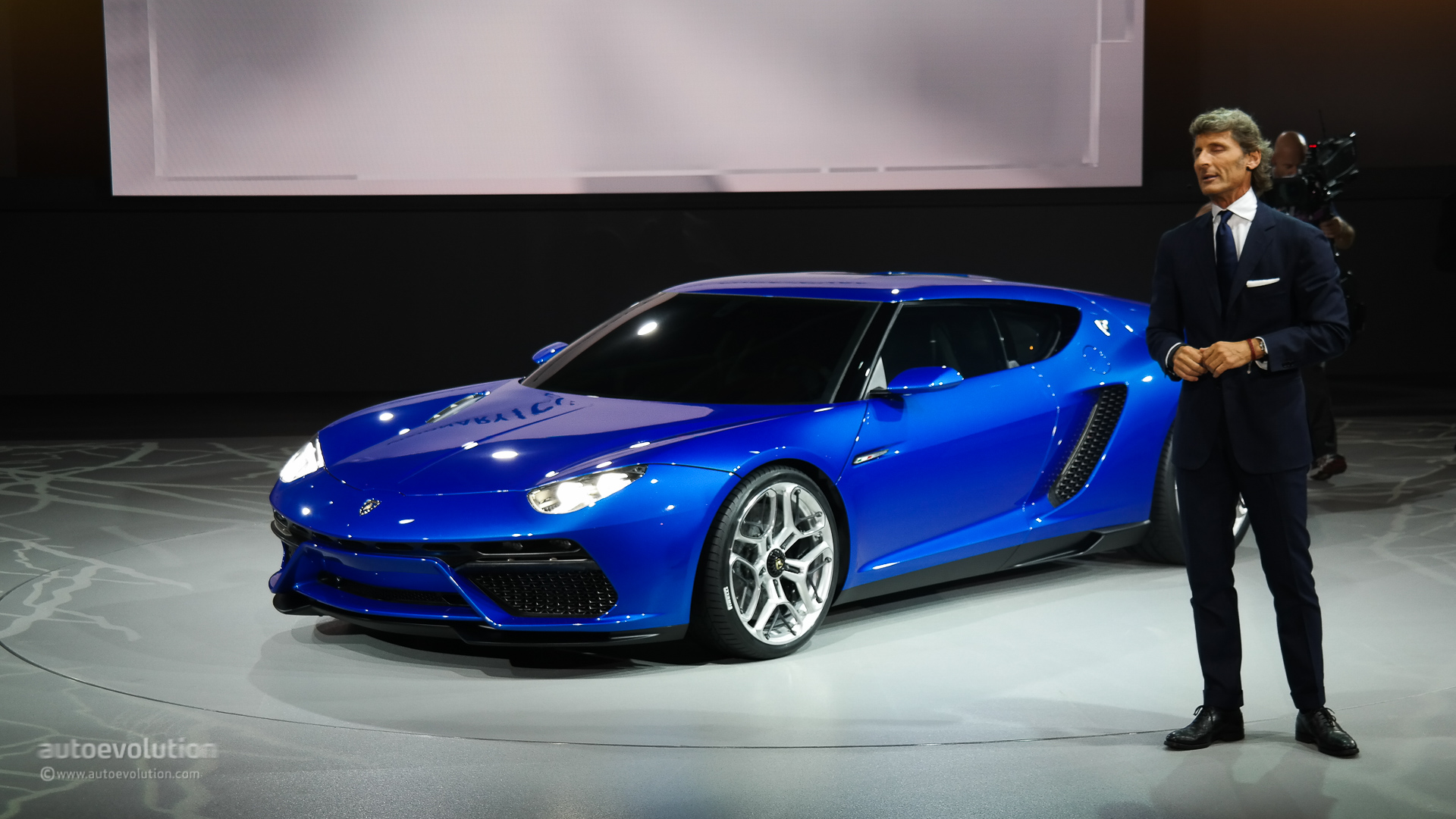 Lamborghini Asterion Lpi 910 4 Looks Like An Estoque Evora