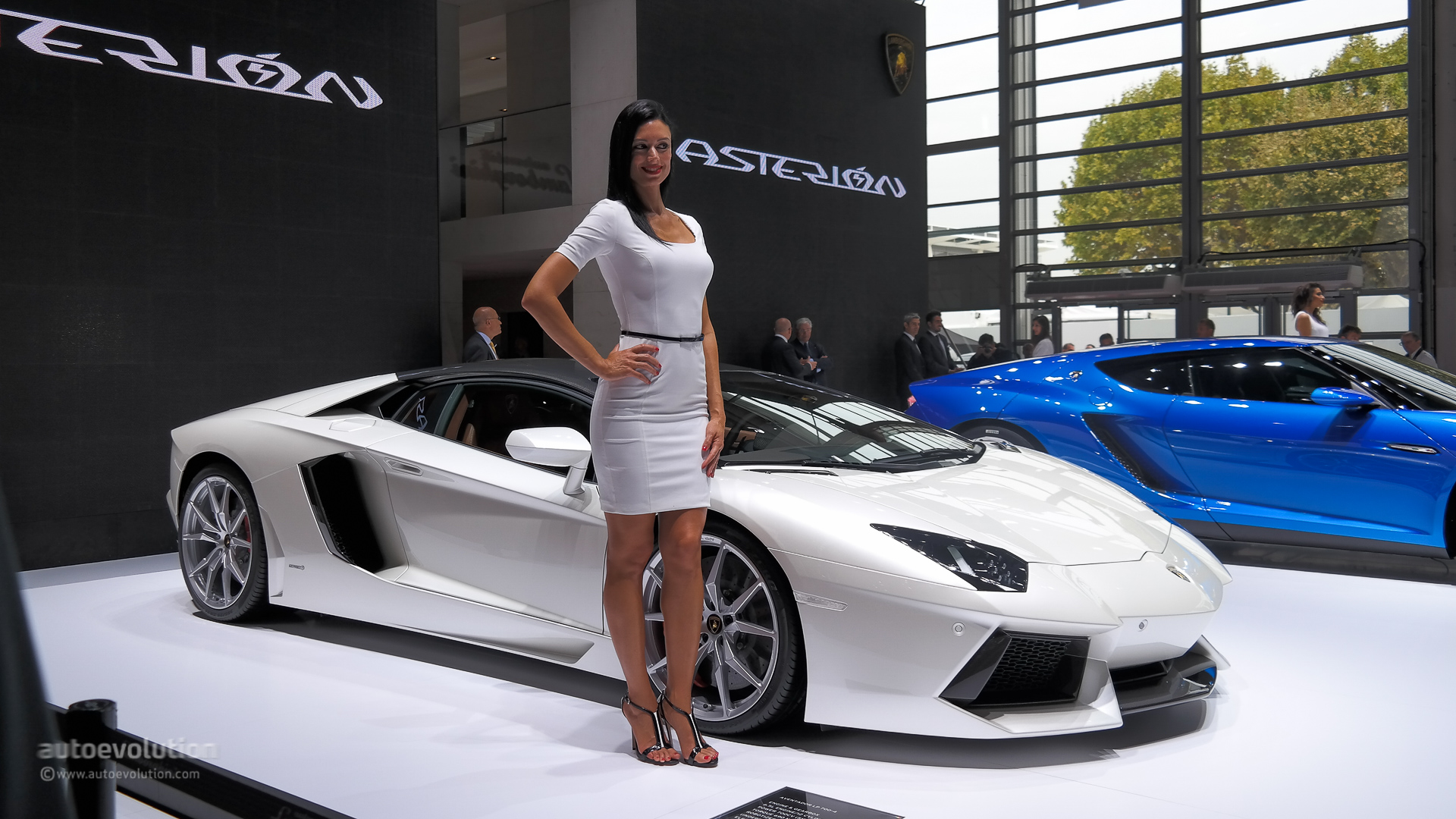 Lamborghini Asterion Silences Paris But Will They Build