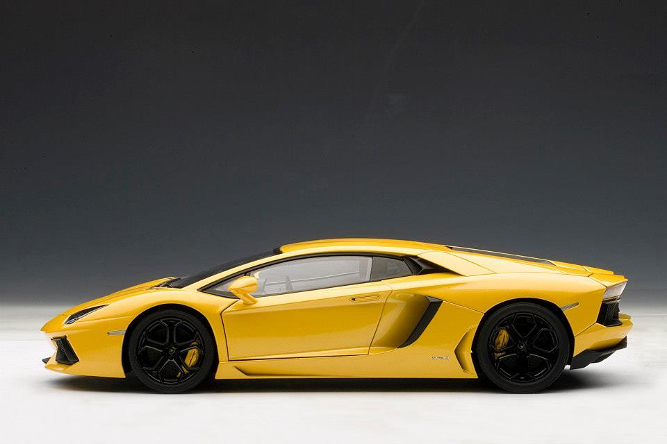 Lamborghini Aventador 1 18 Scale Model The Next Best