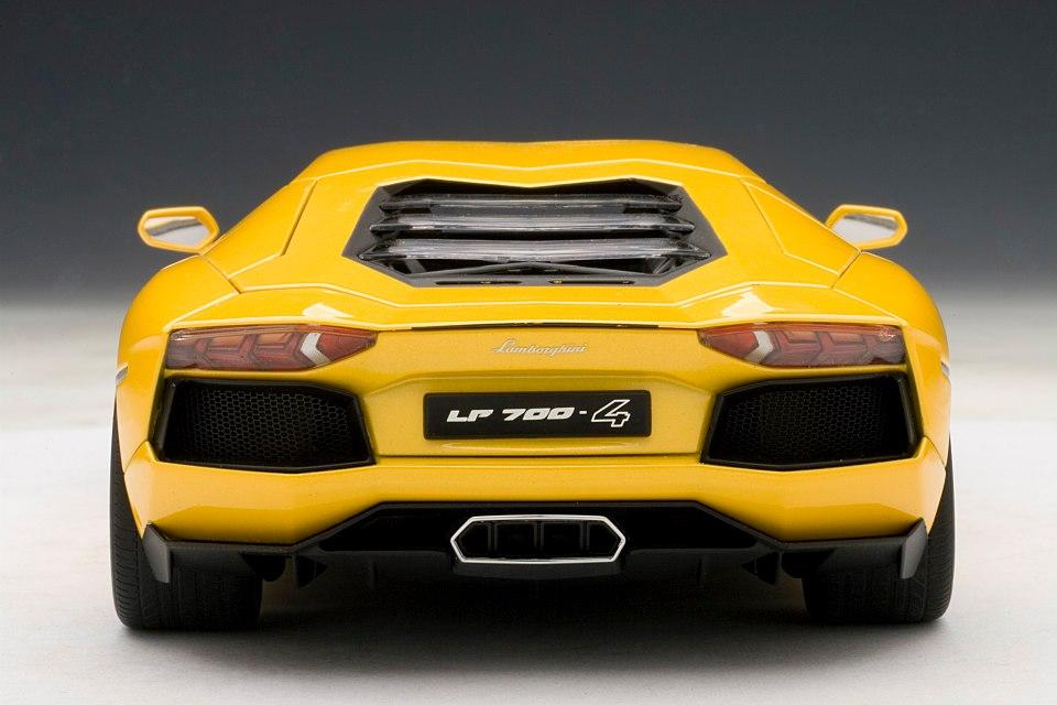 Best 7 Seater Cars >> Lamborghini Aventador 1:18 Scale Model: The Next Best Thing - autoevolution