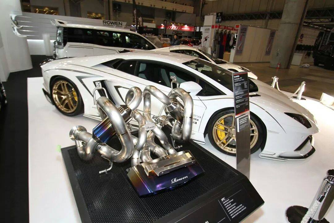 Lamborghini Aventador Gets Carbon Body Kit From Rowen Video Autoevolution