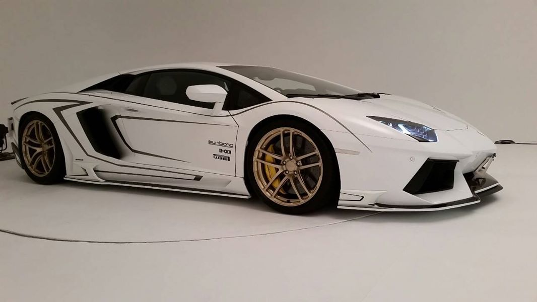 Lamborghini Aventador Gets Carbon Body Kit From Rowen