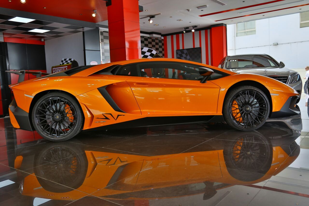 Lamborghini aventador lp 750 4 superveloce for sale in for Newspaper wallpaper for sale