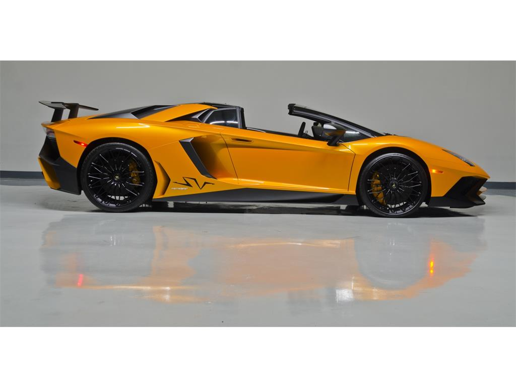 Lamborghini Aventador Lp 750 4 Superveloce Roadster Listed For 799 995 Autoevolution
