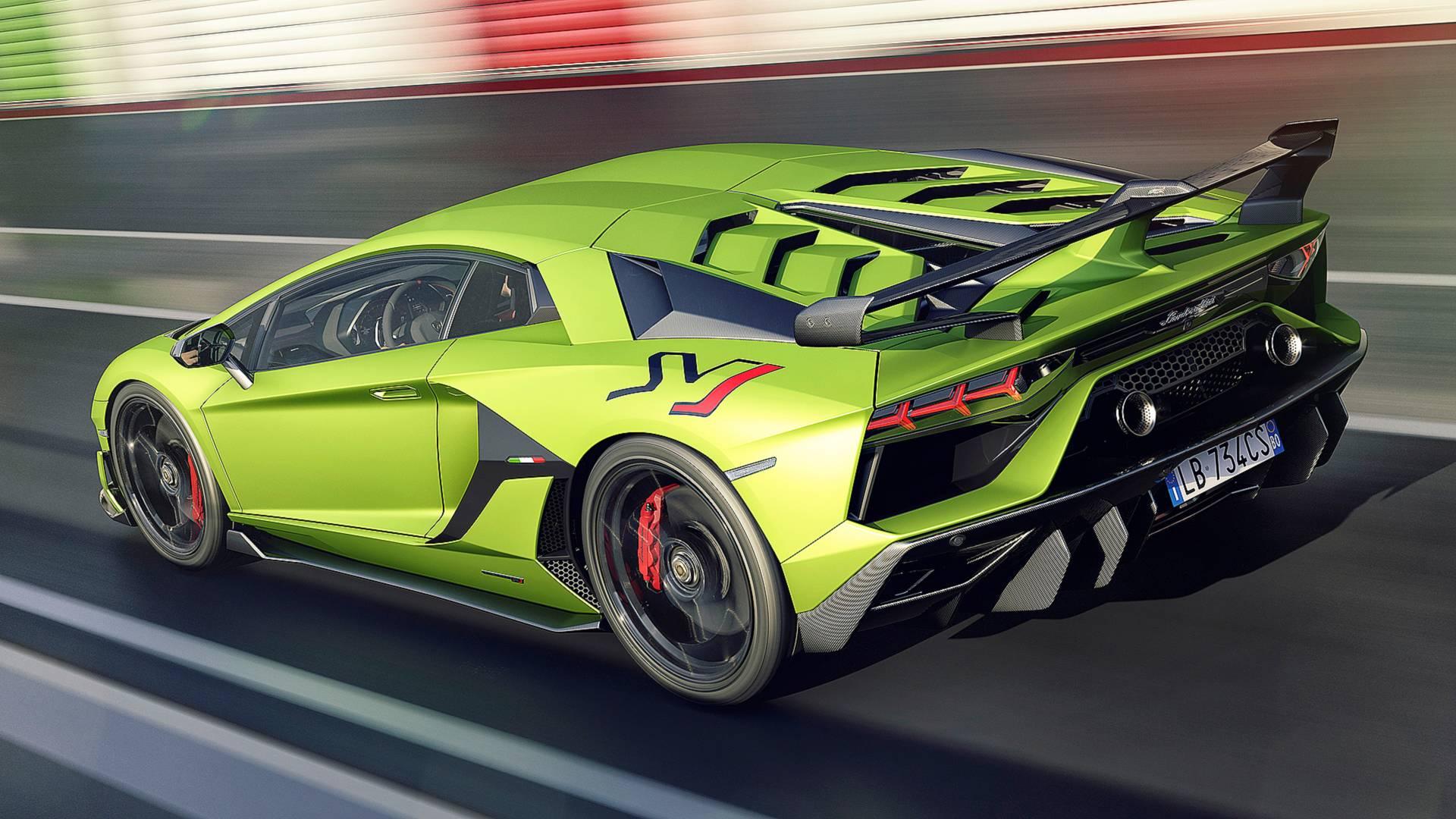 Lamborghini Aventador SVJ Looks Complicated In Live Footage