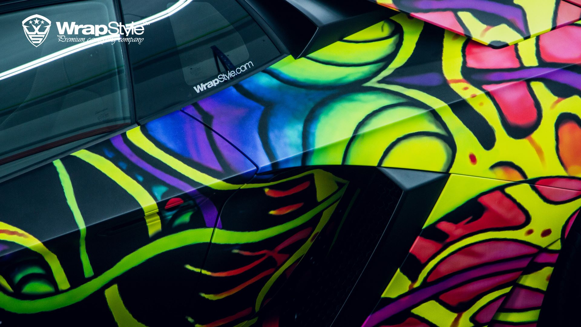 Lamborghini Aventador With Psychedelic Wrap Looks Like An