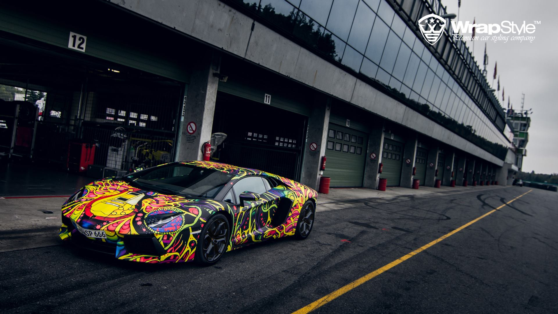 Lamborghini Aventador With Psychedelic Wrap Looks Like An Art Car Video Autoevolution