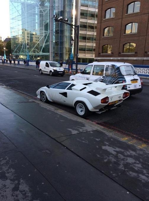 Gear Car Tattoo >> Lamborghini Countach Abandoned on Tower Bridge Blocks London Traffic - autoevolution