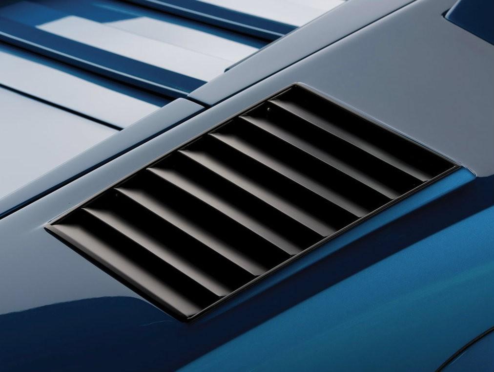 Вентиляция моторного отсека Lamborghini Countach LP400S