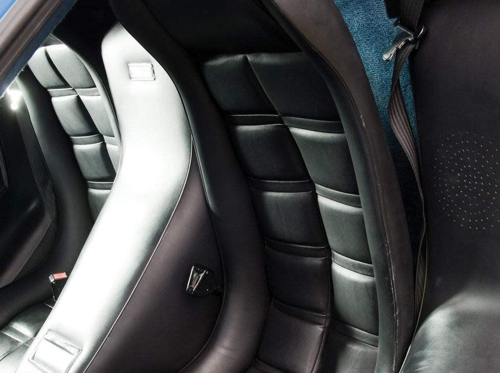 Кожаные сиденья Lamborghini Countach LP400S