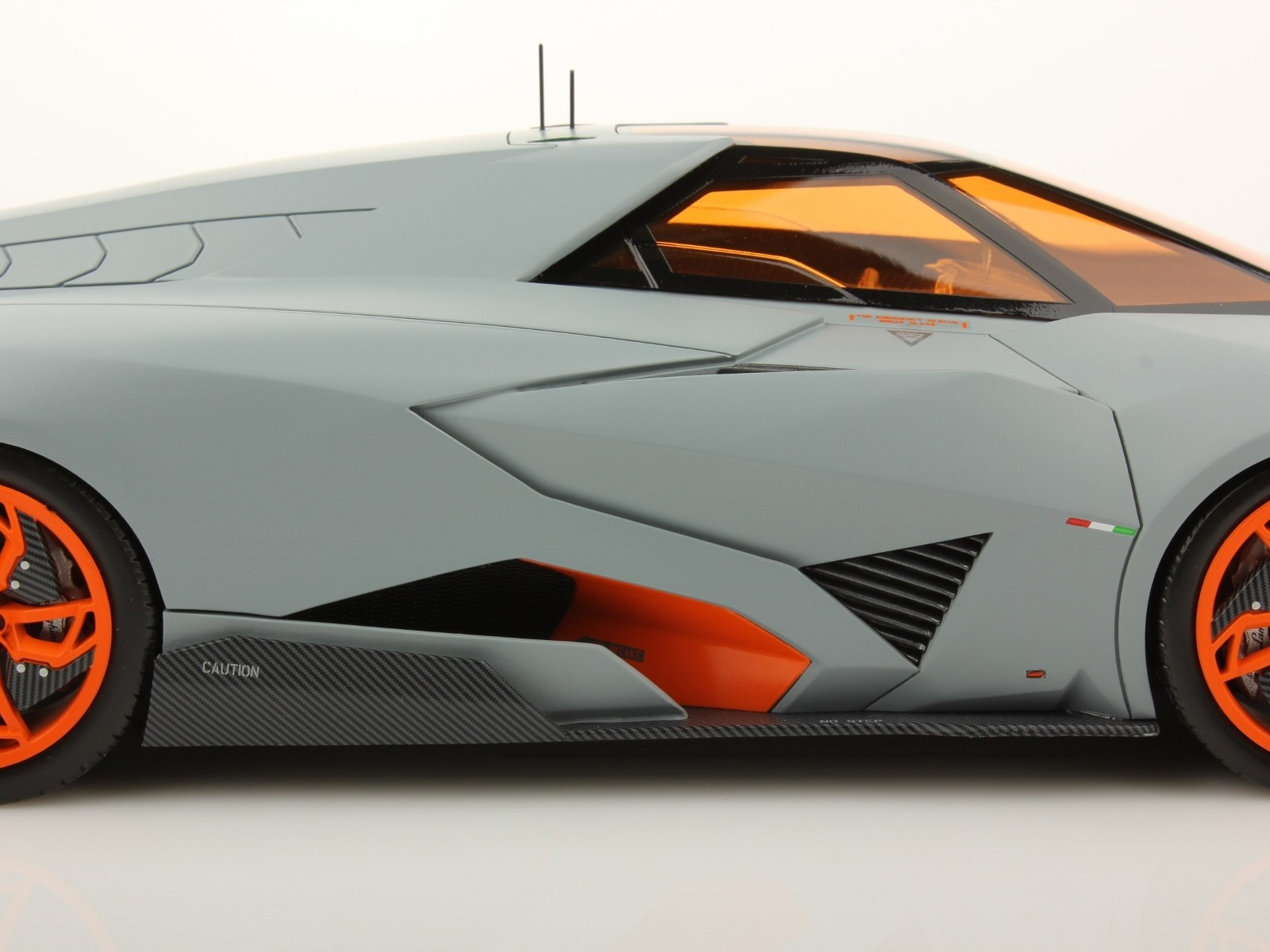 Lamborghini Egoista Gallery | 2017 / 2018 Cars Reviews