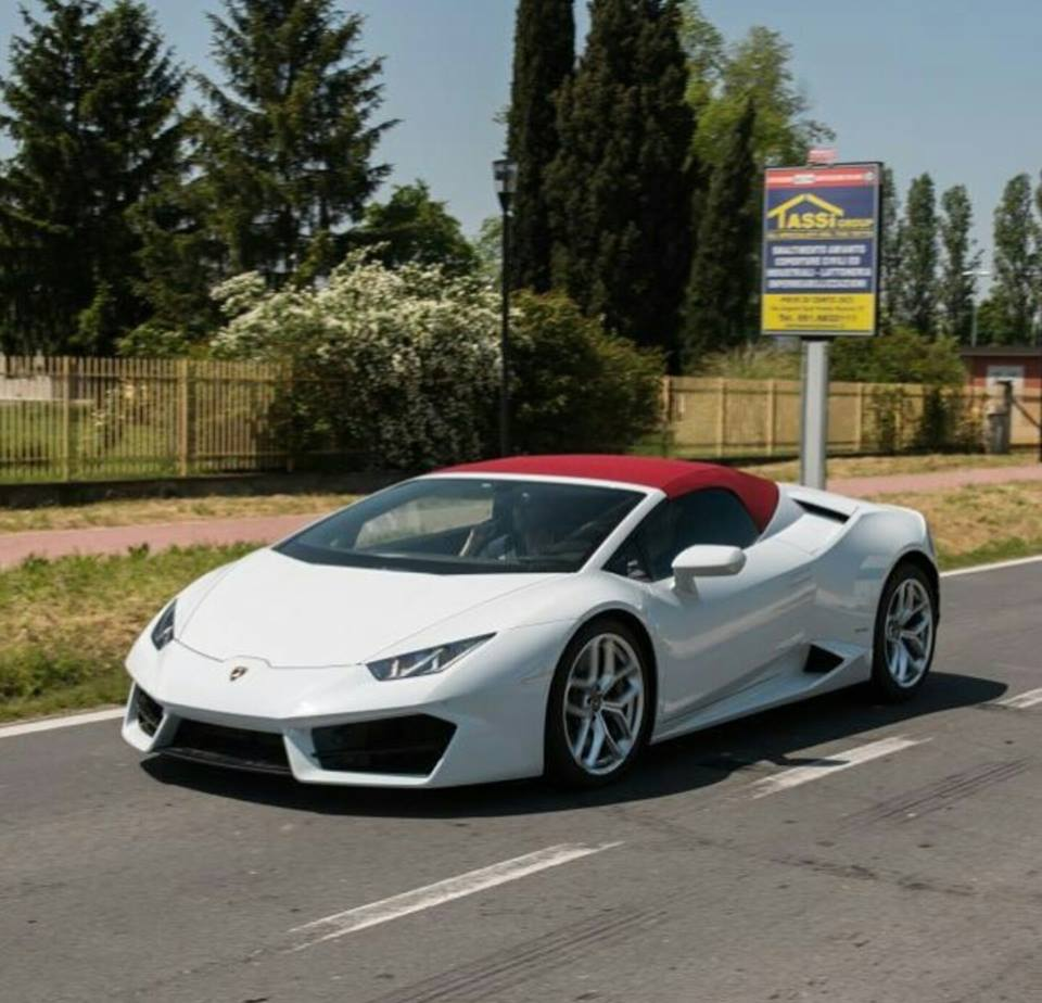 lamborghini huracan lp580 2 spyder rwd spyder fully revealed in spysho. Black Bedroom Furniture Sets. Home Design Ideas