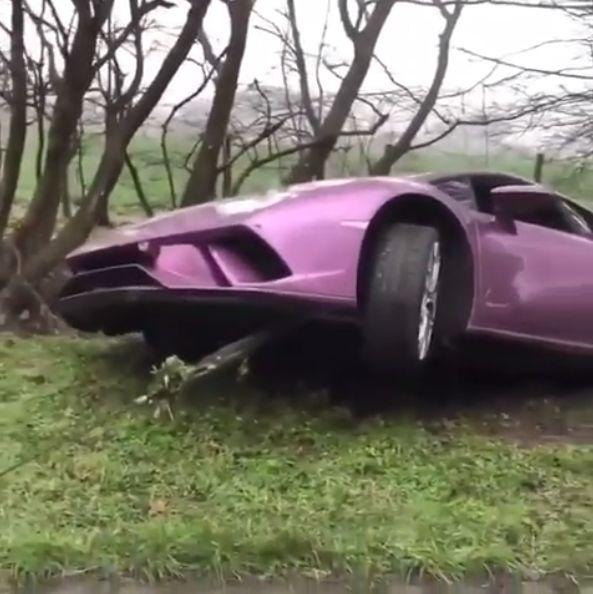 Lamborghini Girl Eats Her Breakfast On The Back Of A Raging Huracan