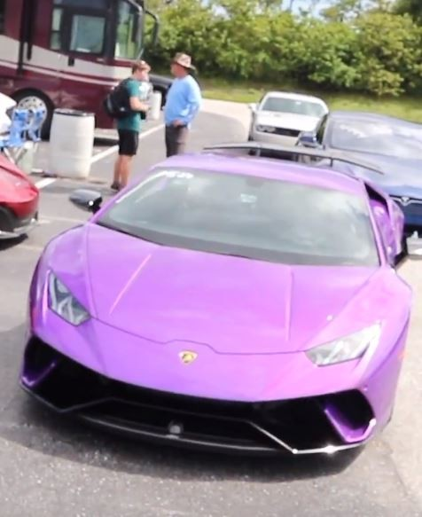 why the huracan doesn t have lambo doors like the aventador autoevolution. Black Bedroom Furniture Sets. Home Design Ideas