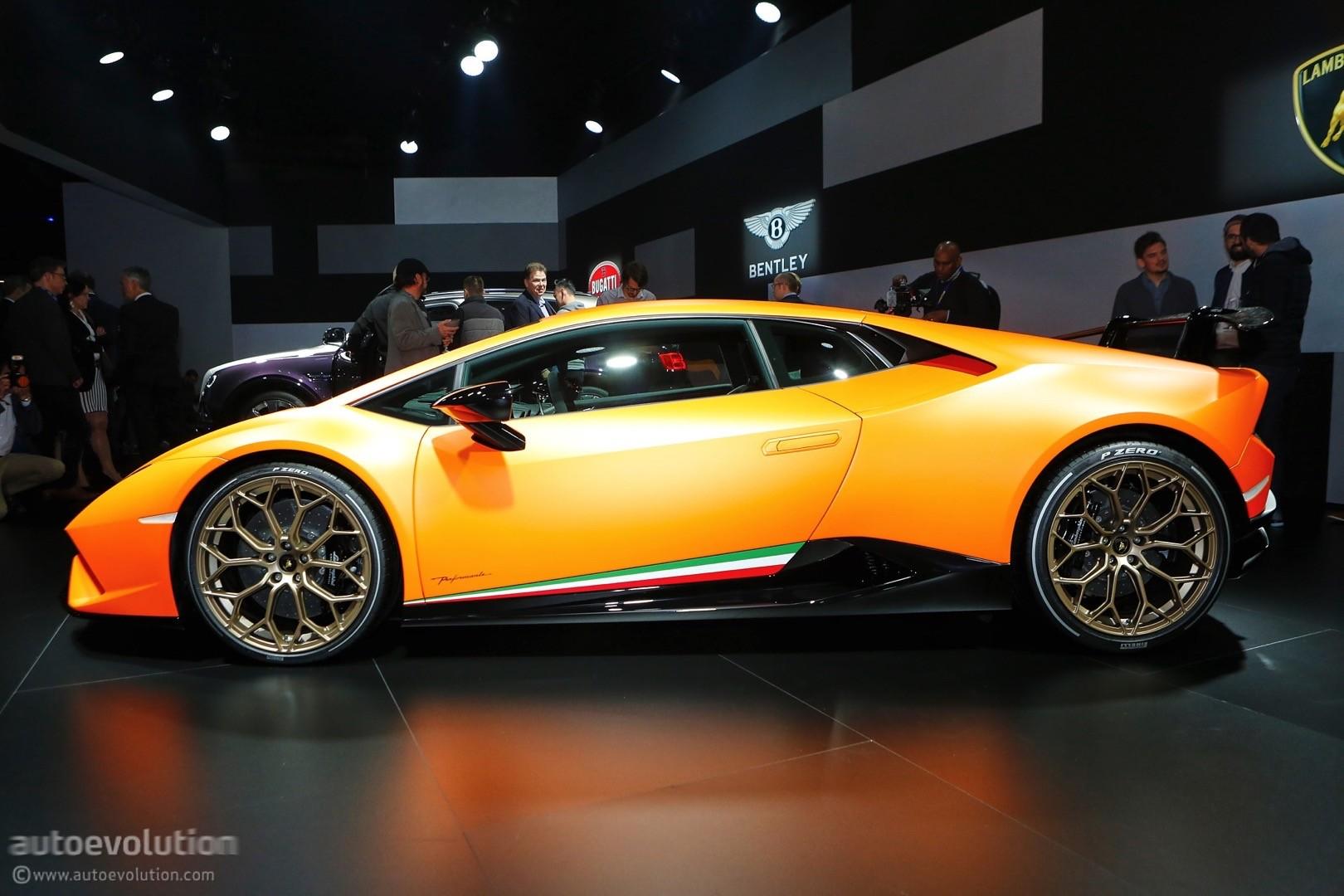 Incroyable ... Lamborghini Huracan Performante Live At 2017 Geneva Motor Show ...