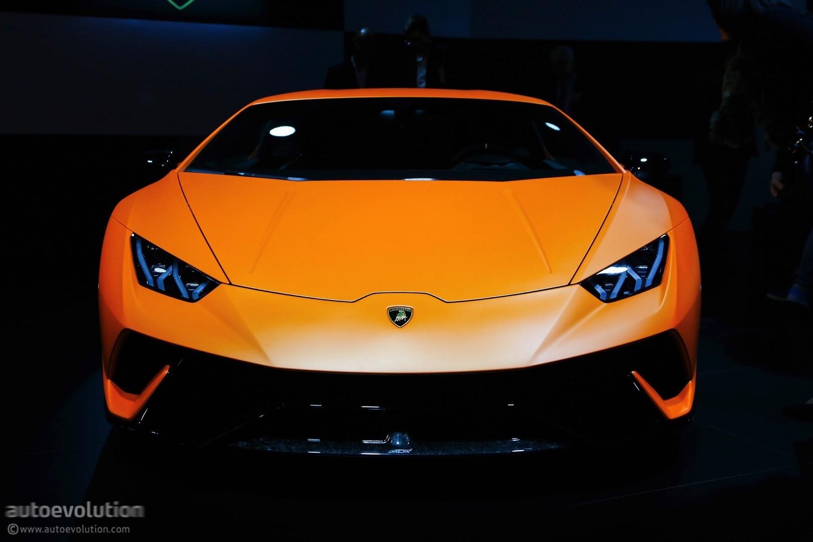 Superbe ... Lamborghini Huracan Performante Live At 2017 Geneva Motor Show ...
