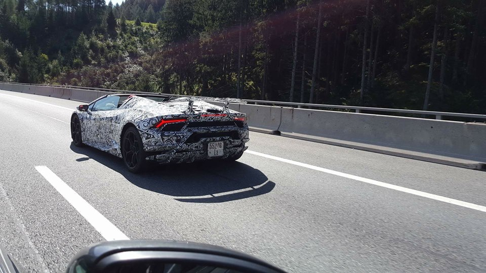 2018 lamborghini huracan performante spyder spotted in brenner pass autoevolution. Black Bedroom Furniture Sets. Home Design Ideas