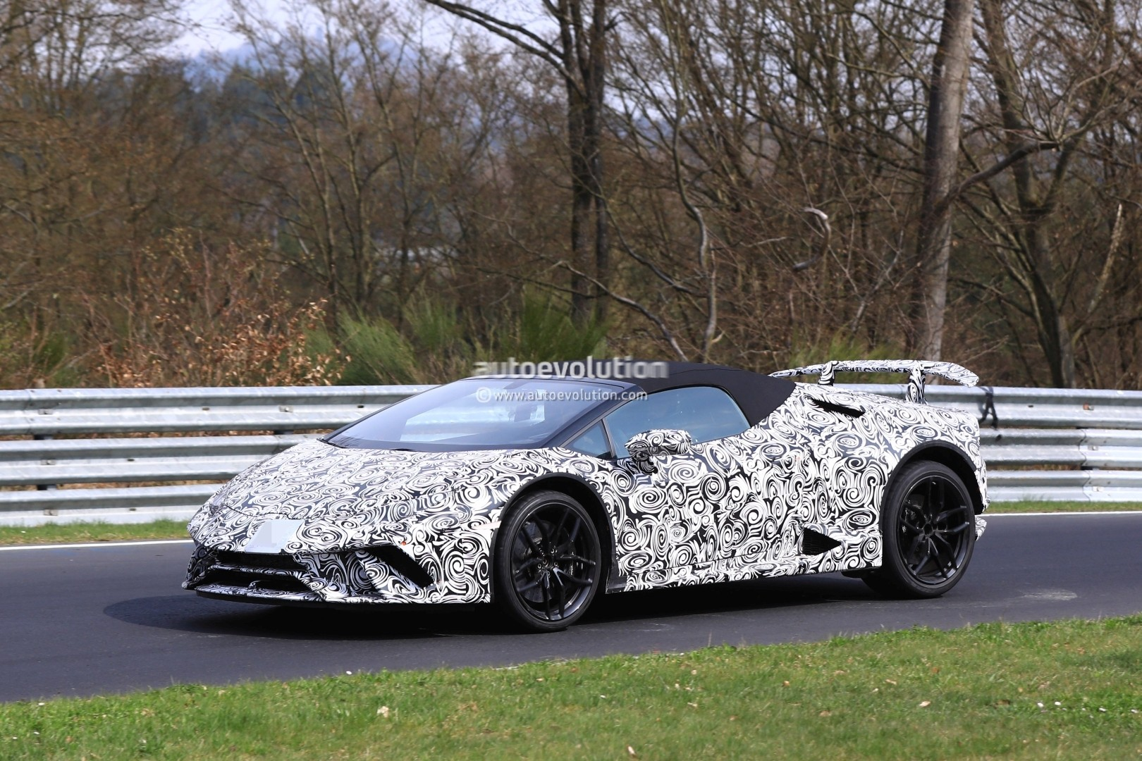 2018 lamborghini italy. beautiful 2018 2018 lamborghini huracan performante spyder spied on nurburgring intended lamborghini italy h