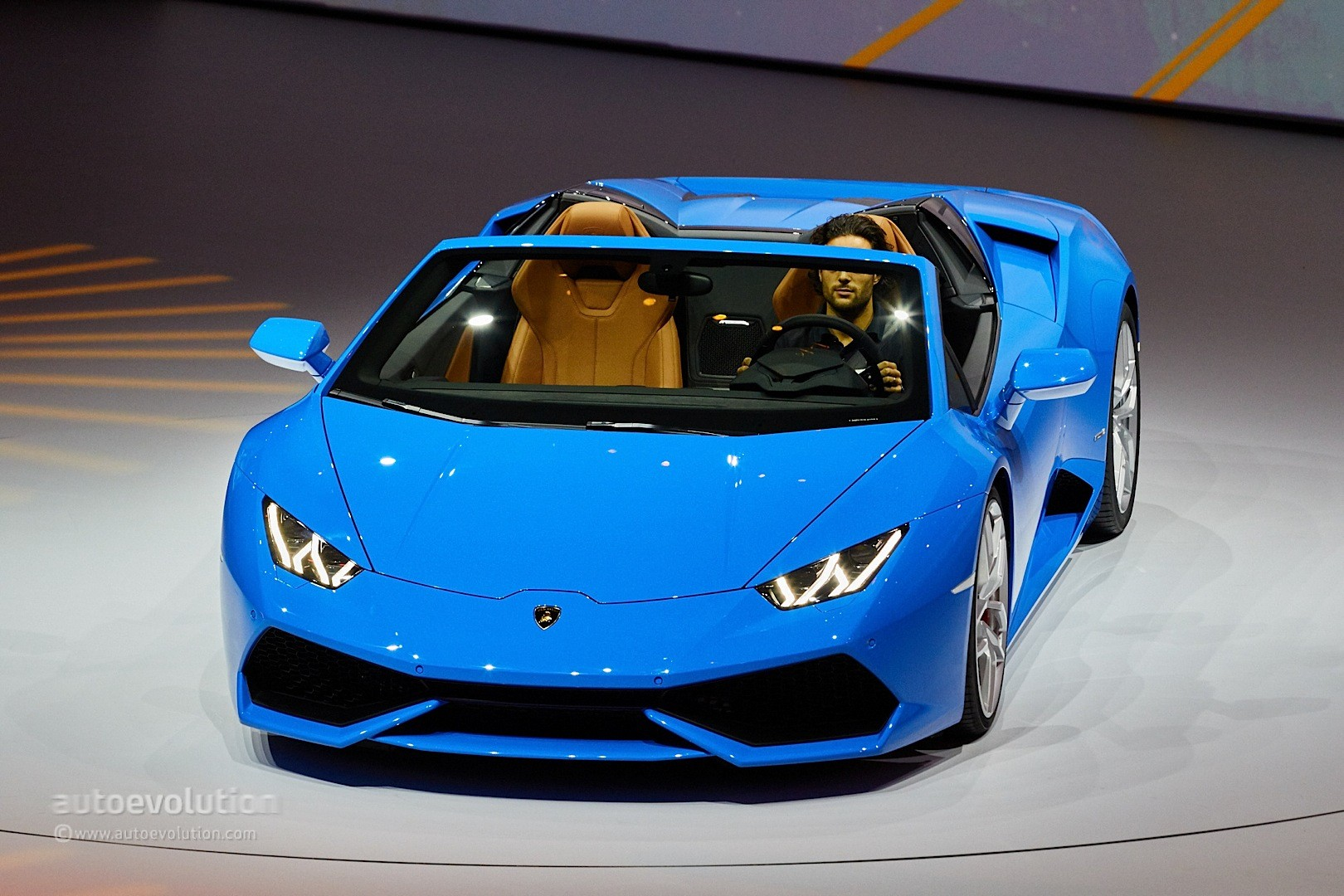 lamborghini huracan vs aventador drag race is very close autoevolution. Black Bedroom Furniture Sets. Home Design Ideas
