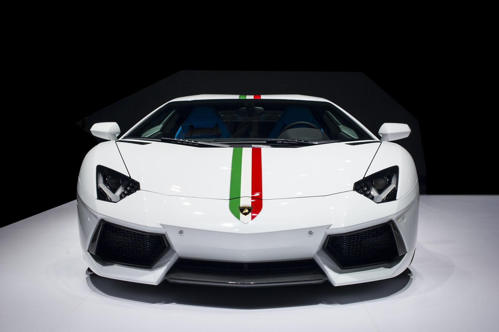 Lamborghini Reaches 1 500 Orders For Huracan Launches Aventador Nazionale In Beijing