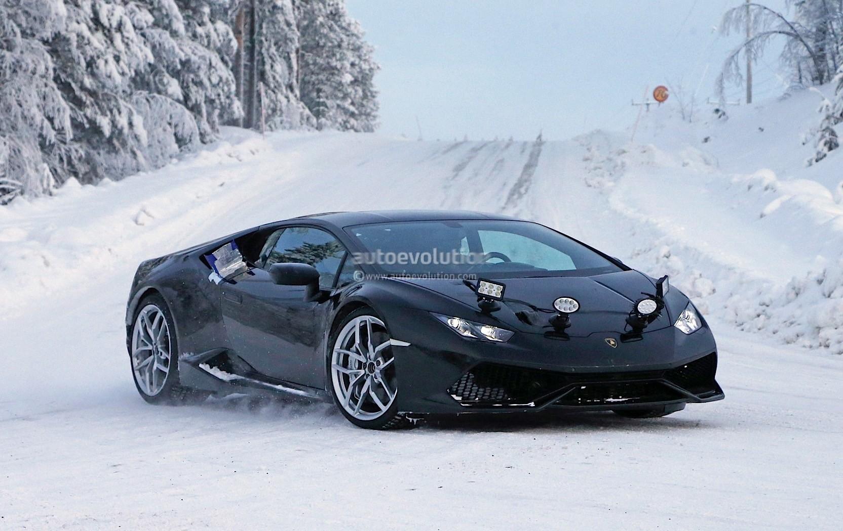 Lamborghini Testing Blacked-Out Huracan in Winter ...