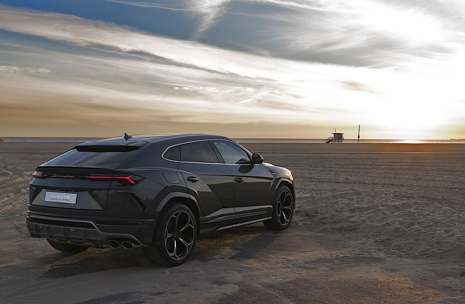 D Eb additionally Lambo together with Lamborghini Urus  pletes World Tour Shows Itself In Cities further Lamborghini Urus X Pickup And Production Model Rendered also Nissan Sentra Manu. on lamborghini car model