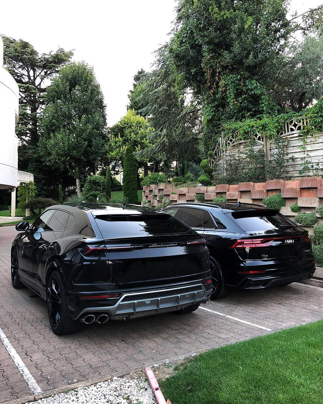 Lamborghini Urus Meets Audi Q8 In Switzerland And Both Are Black Autoevolution