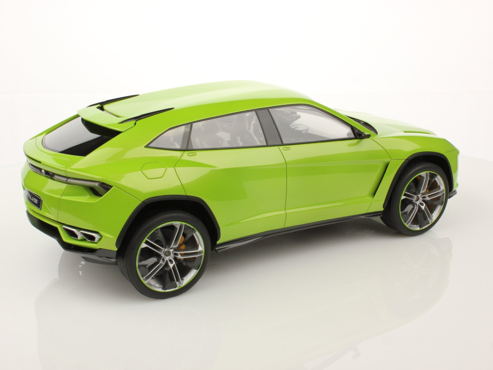 Lamborghini Urus Production Officially Confirmed for 2018 ...