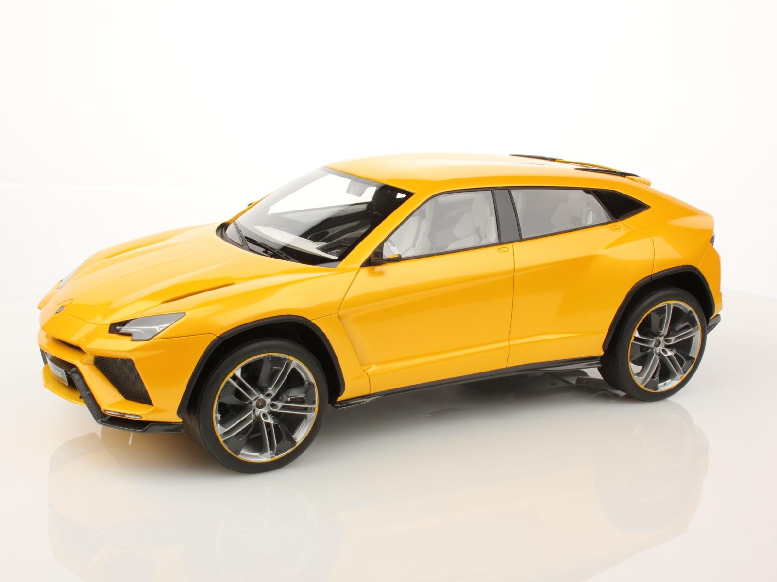 Lamborghini Urus Scale Model Shines in Verde Ithaca  Photo Gallery  autoevolution