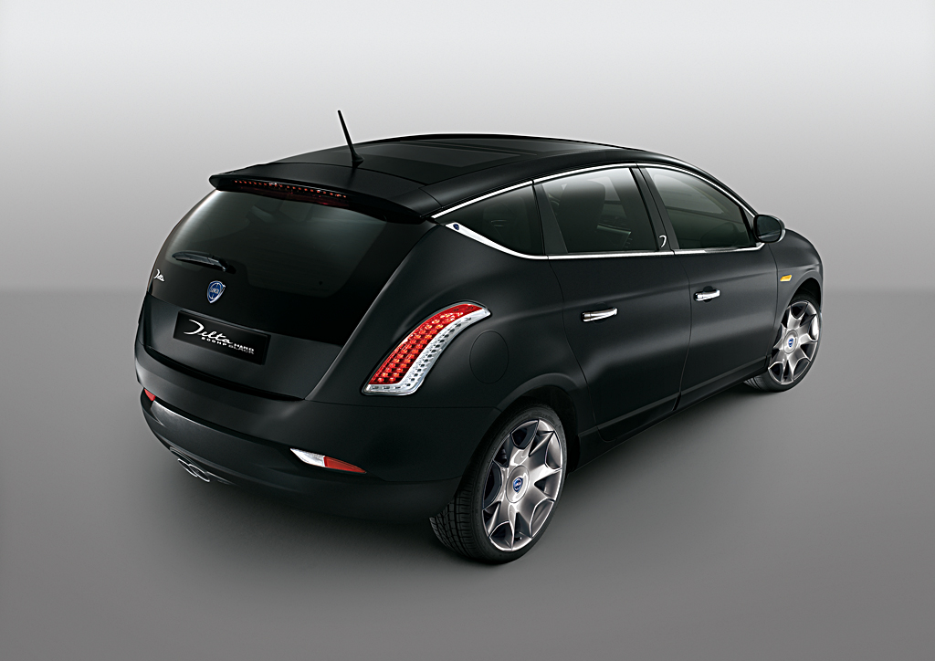 Lancia delta musa and ypsilon tweaked for the 2009 geneva for Interieur tuning auto