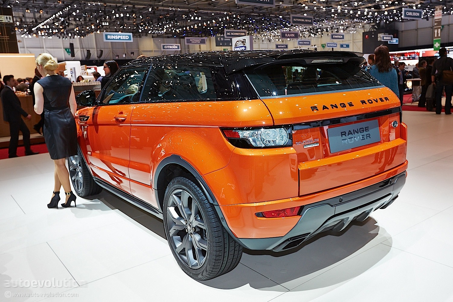 Land Rover Announces Future Discovery Family In Geneva