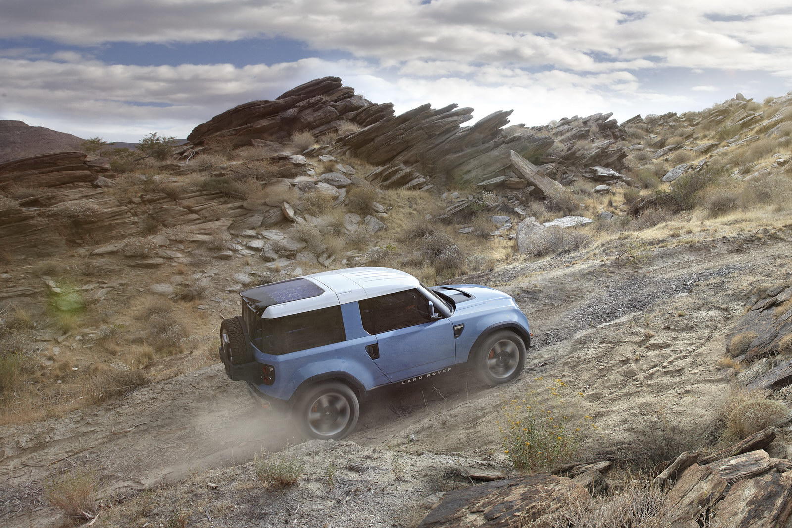 https://s1.cdn.autoevolution.com/images/news/gallery/land-rover-dc100-and-dc100-sport-ready-for-los-angeles-photo-gallery_3.jpg