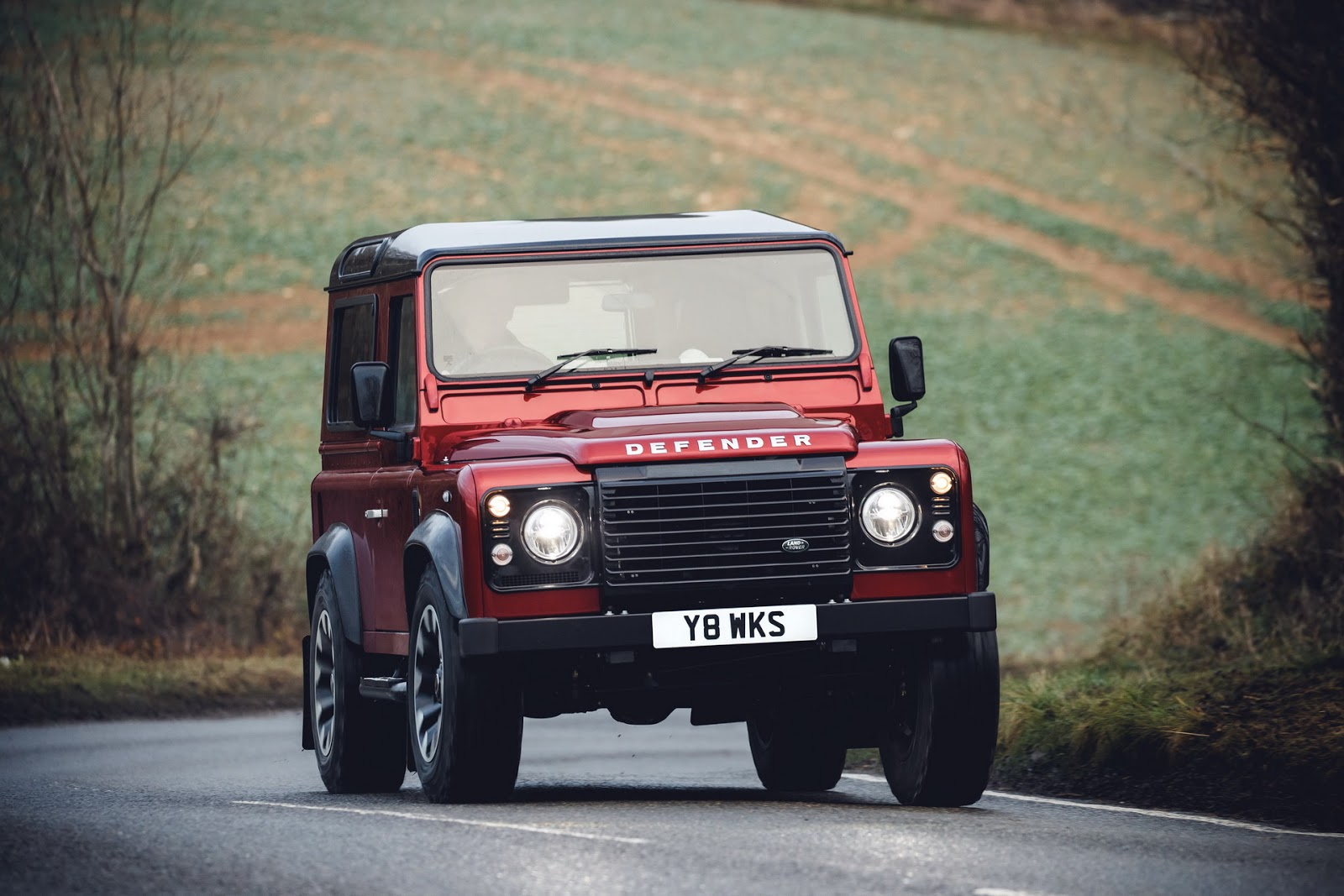 Old Land Rover Defender Returns For 2018 With V8-powered Special Edition - autoevolution
