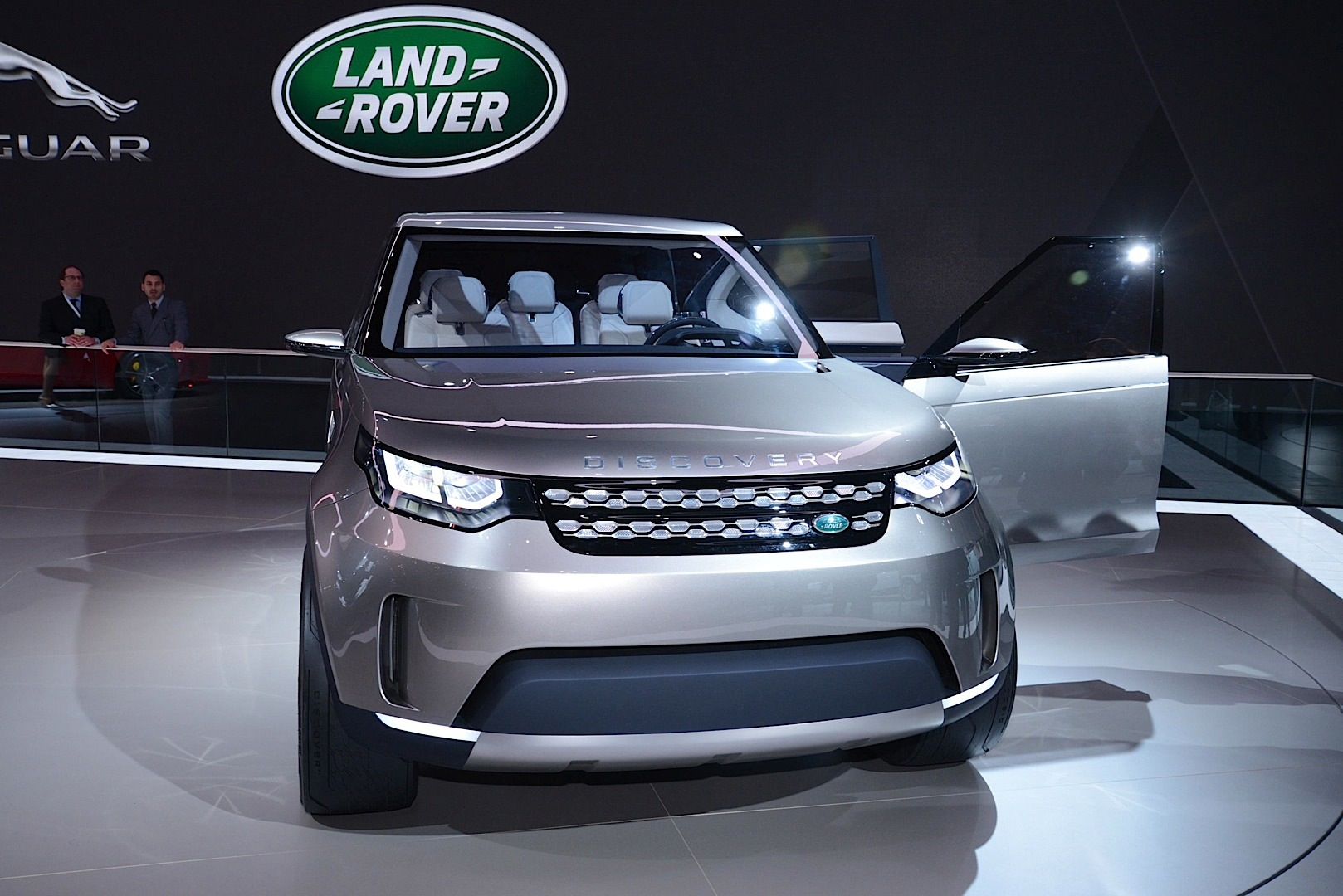 Land Rover Discovery Vision Concept: Offroading in New ...