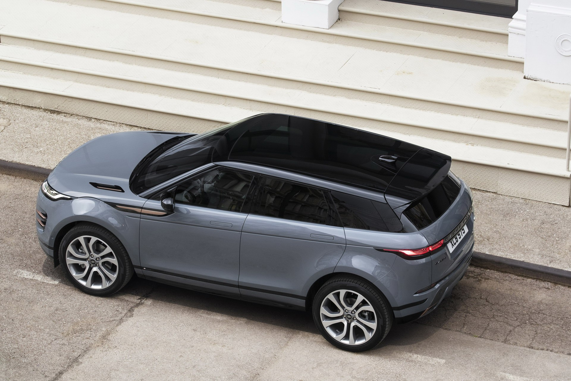 Land Rover Launches Online Configurator For 2020 Range