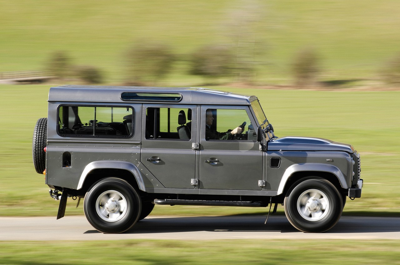 land rover presents the 2011 defender range autoevolution. Black Bedroom Furniture Sets. Home Design Ideas