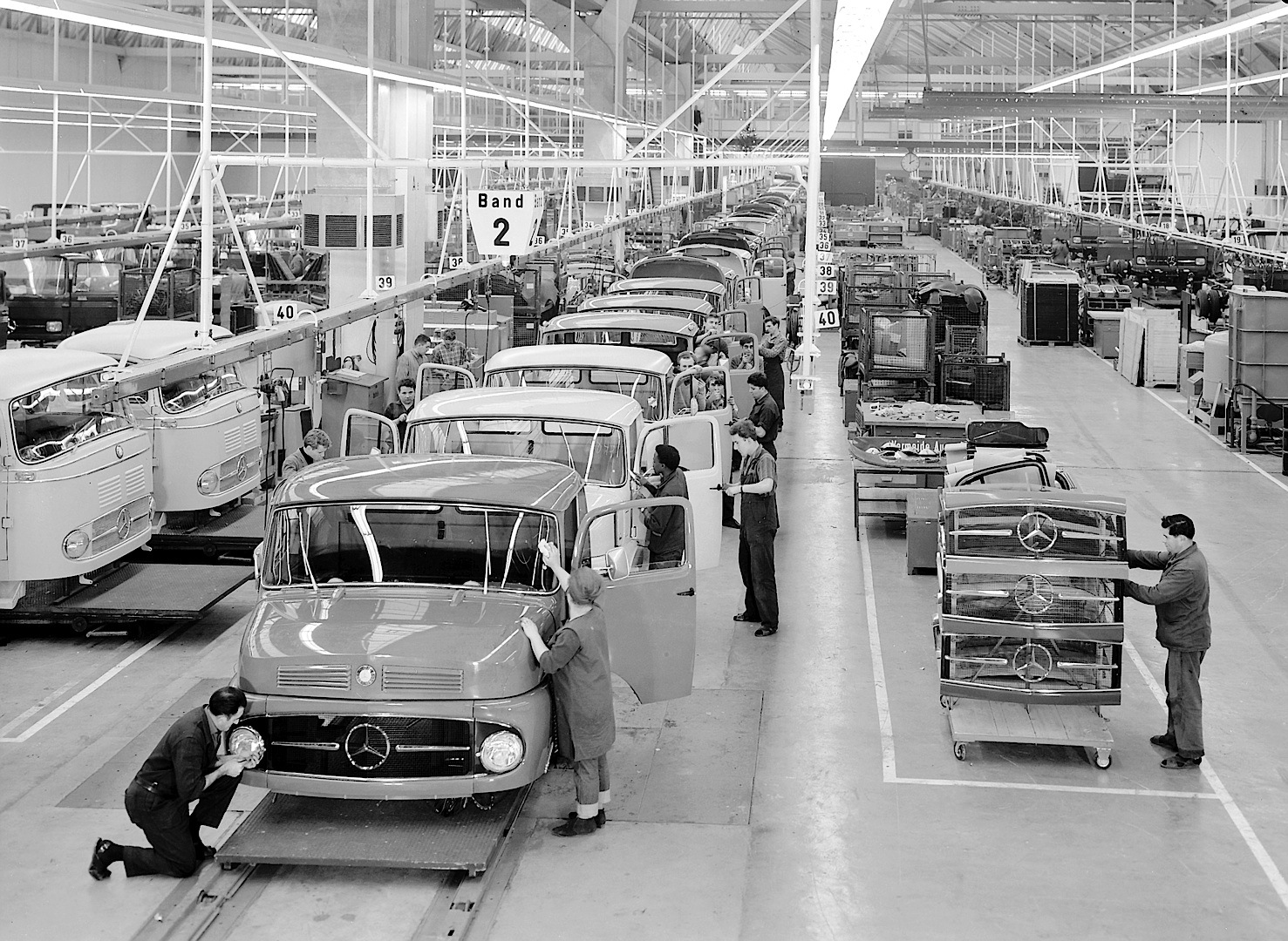 Largest truck factory in the world celebrates 50 years for Mercedes benz usa factory