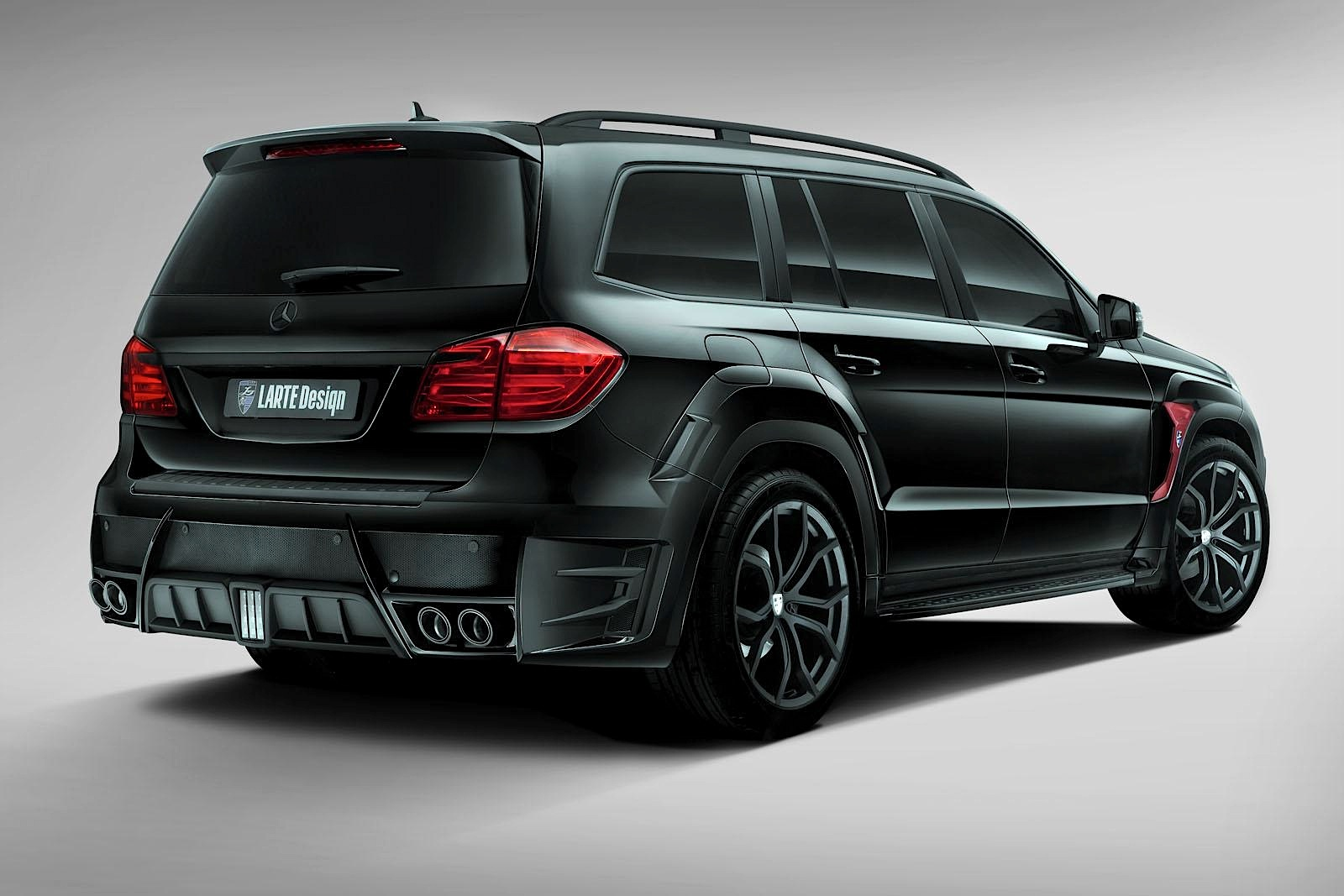 larte design 39 s mercedes benz gl class has joined the dark side autoevolution. Black Bedroom Furniture Sets. Home Design Ideas