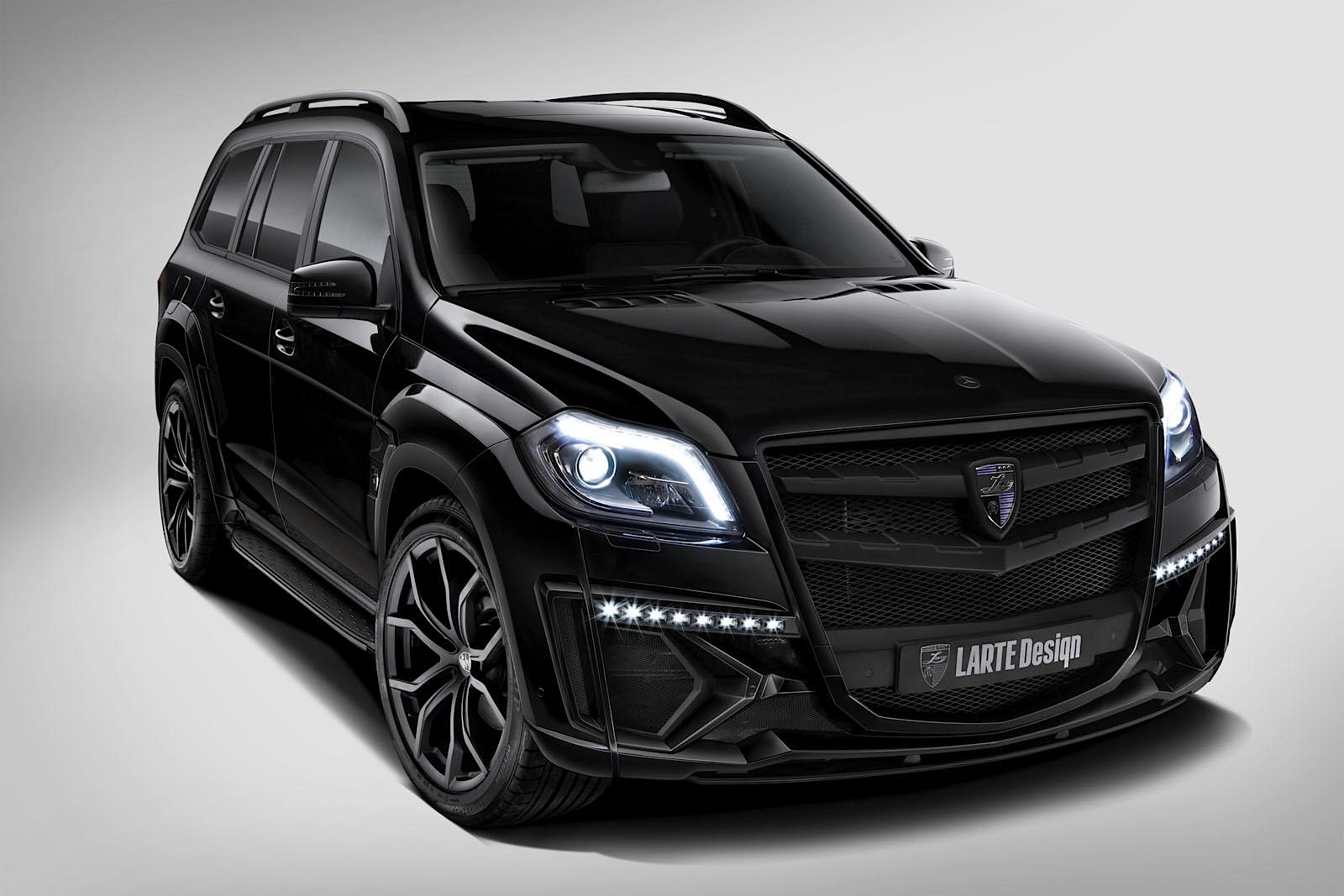 Larte Design S Mercedes Benz Gl Class Has Joined The Dark