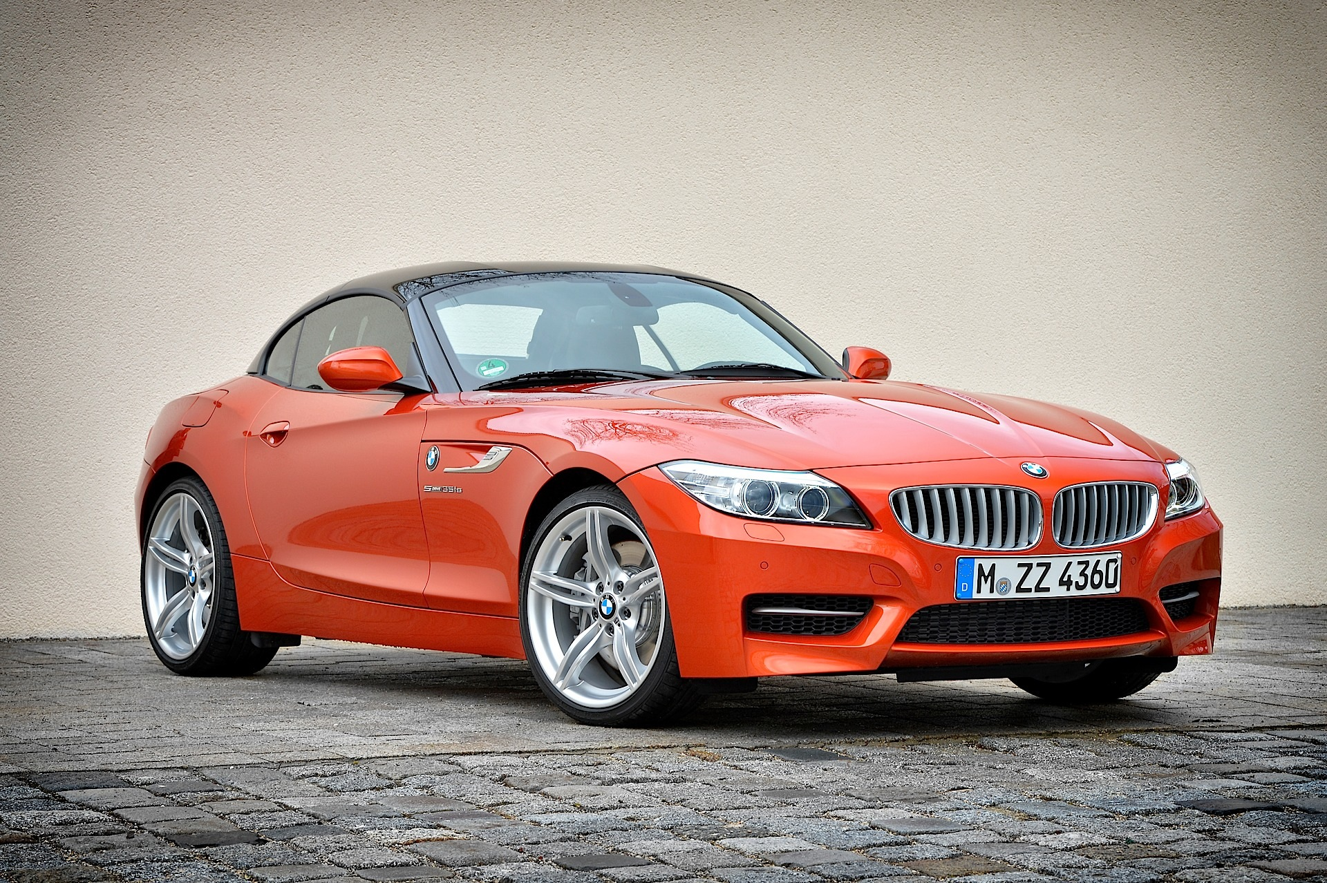 LCI BMW E89 Z4 Poses for new Photo Shoot - autoevolution