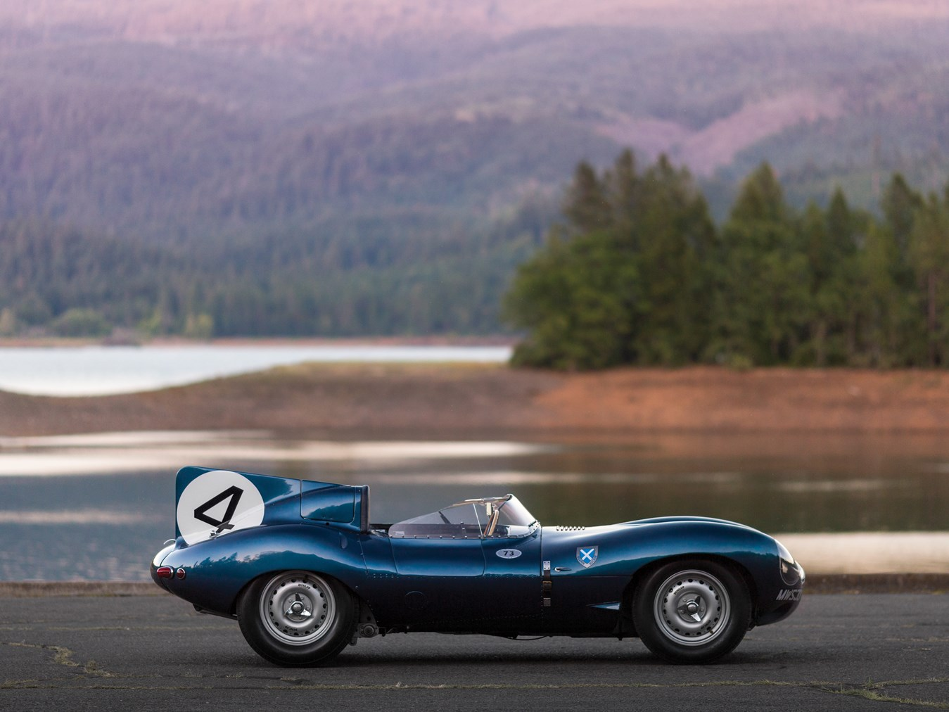 le mans winning jaguar d type sets record price for british cars sold at auction autoevolution. Black Bedroom Furniture Sets. Home Design Ideas
