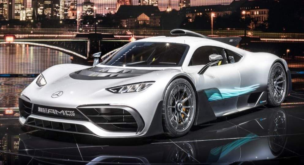 Leak mercedes amg project one grins for the camera in for Mercedes benz amg project one