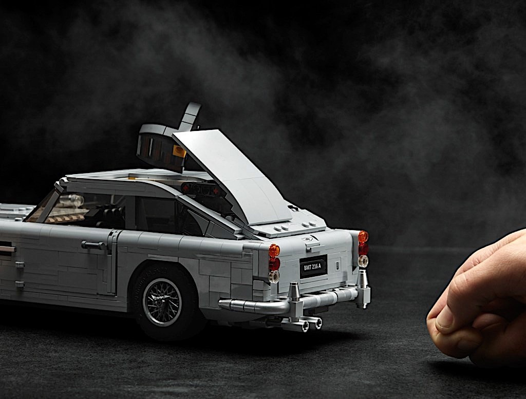 Lego Aston Martin Db Launched With Working James Bond Gadgets