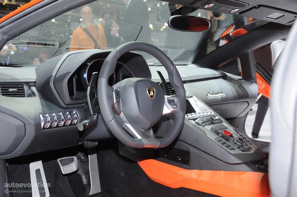 Lamborghini Veneno Livery >> Lamborghini Aventador Gets Chrome Red Wrap - autoevolution