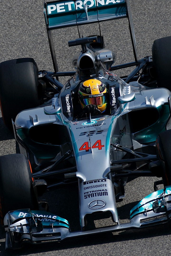 Lewis Hamilton Has Middle Of The Road Test Day In Bahrain Autoevolution